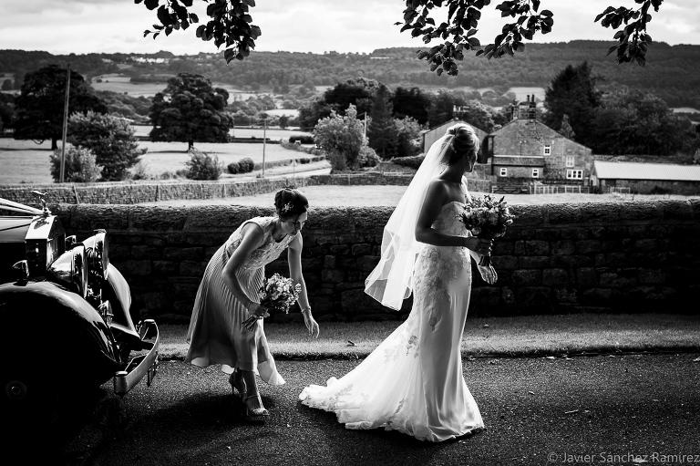 Reportage style wedding photography
